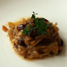 Onion Confit with Honey, Sultanas and White Wine