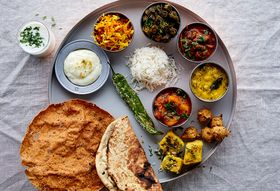 66dd178d 7bf9 4e12 b48a 63449e3e6f17  2017 0418 how to make an indian thali julia gartland 451
