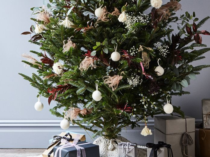 Two Creative Ways to Decorate Your Holiday Tree