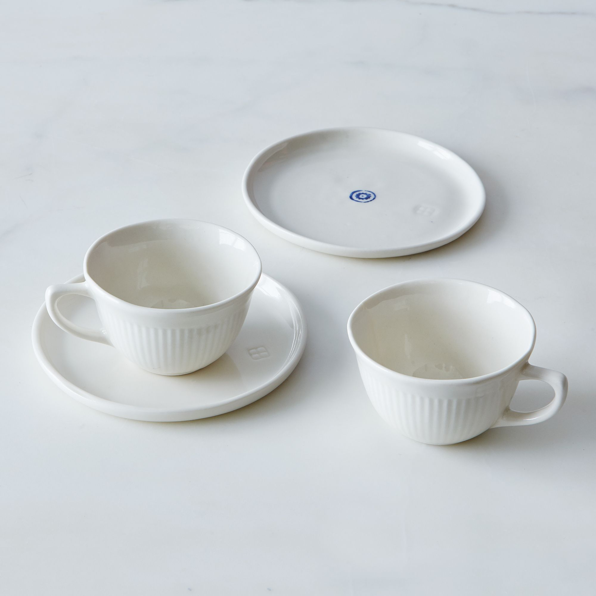 05eec6b0 a0f8 11e5 a190 0ef7535729df  2015 0325 art et manufacture tea for two set of 2 circle family mark weinberg 0058