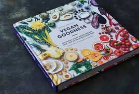 578123c7 81f9 4f6b 8e3f 95a84ee23a41  2017 0111 vegan goodness cookbook bobbi lin 15054 1