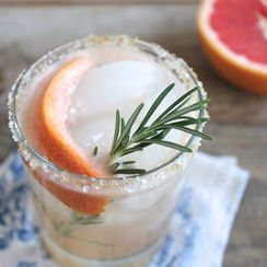 G & G Cocktail: Gin, Grapefruit and Rosemary