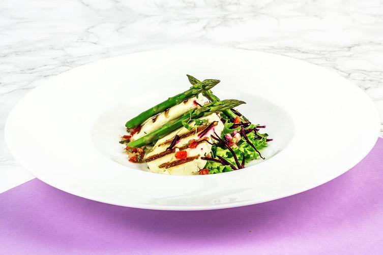 Warm Grilled Halloumi Salad