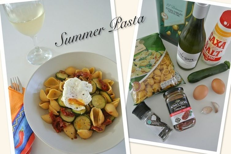Summer Pasta with Zucchini and Sun-dried tomatoes