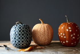 F91eb329 debd 46a3 a1a8 cf1373c8741c  2016 1011 how to make a fabric pumpkin halloween james ransom 022