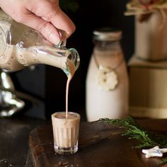 Easy Homemade Christmas Baileys