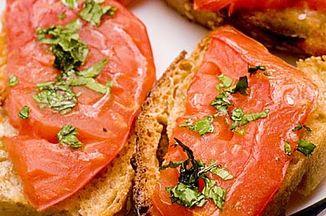 C9d1e2c5 a081 4587 956b 4d1eece128a6  heirloom tomato bruschetta