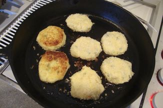 3f0328e5 9019 48ce 9e36 521c1c02fa19  mashed potato patties