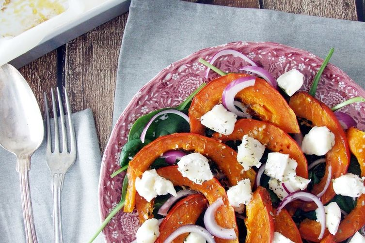 Warm roasted pumkin and goat cheese salad