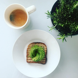 The (Slightly Confusing) Avocado Trend That's Taking Over Instagram