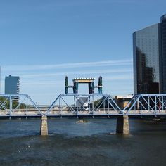 17 Reasons to Go to Grand Rapids