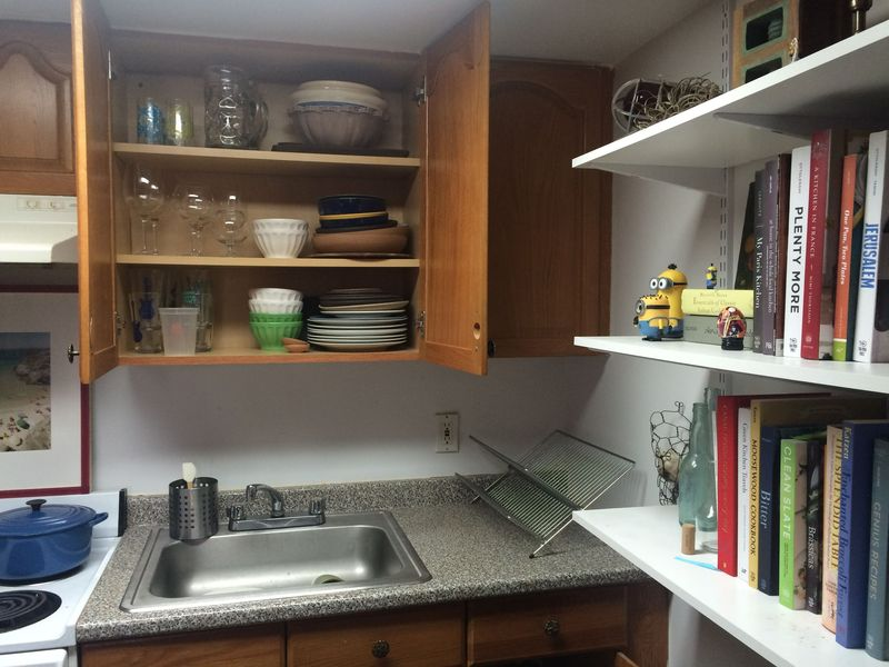 Dish shelves and cookbook shelves, in harmony.
