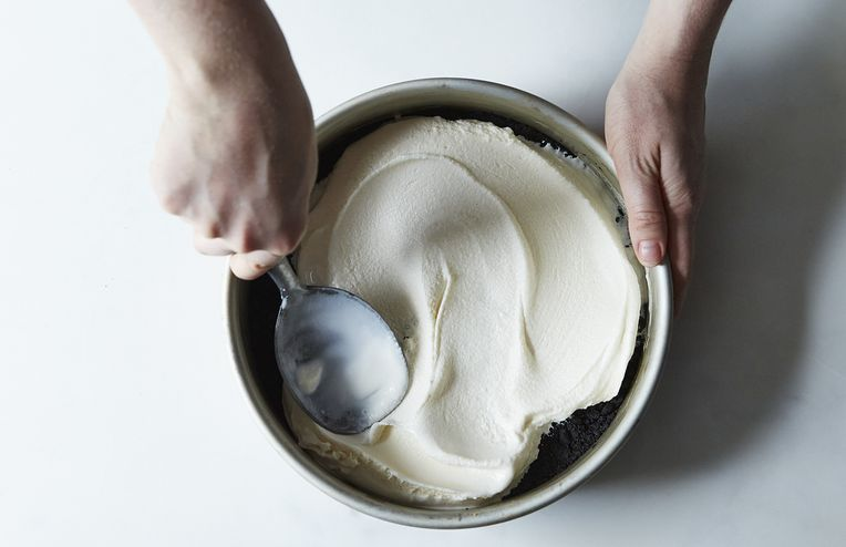 How to Make Ice Cream Cake without a Recipe