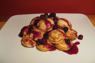 531c8ebc-aeb2-4607-b54a-baca9e70aa60.lemon_mascarpone_stuffed_ebelskivers_with_blueberry_thyme_compote