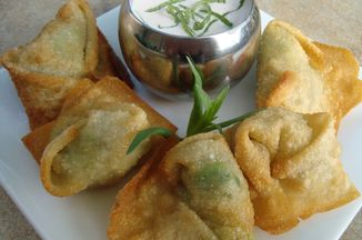 61fe1659-eb1a-4189-817c-982c8b0f9ee3.crab_and_avocado_wontons