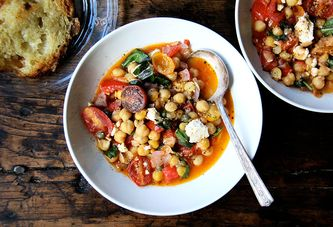 A Stewy, Cozy Pan of Chickpeas for Cooler Evenings (& Your Ripest Tomatoes)