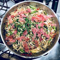 Fettuccine with Sea Scallops, Asparagus, and Prosciutto