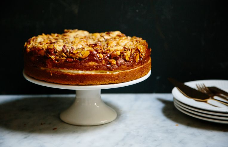 Float Like a Butterfly, Sting Like a Bee Sting Cake
