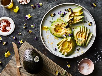 """This """"Perfect Avocado"""" Takes 5 Minutes & Is Almost too Pretty to Eat"""