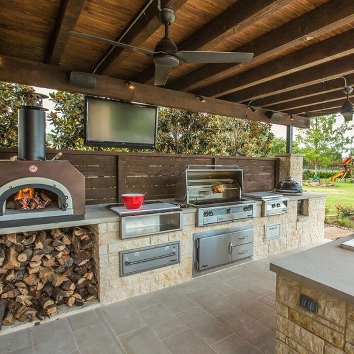 13 backyard kitchens that make us want to live outside