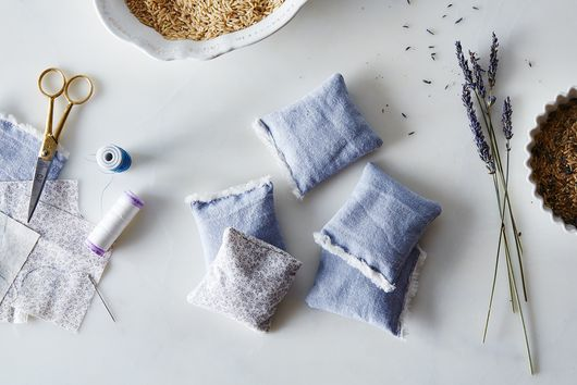 DIY Lavender Sachets To Make Your Sock Drawer Smell Like Heaven