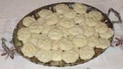 Ed746ee6 c6e8 4da4 b017 b1790a192a4a  almond cookies favors 022
