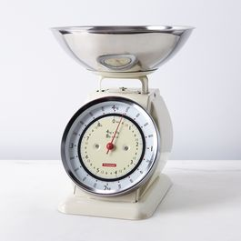 Vintage-Style Kitchen Scale with Removable Bowl