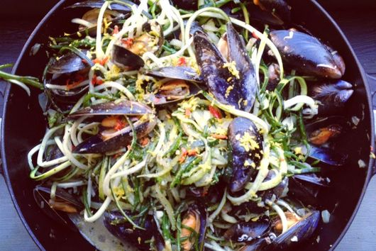 Chilli & Lemon Zest Mussels w/ Cracked Black Pepper, Courgette Pasta & Samphire