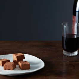 Ddca2810-8d81-477e-b06b-d52c6c7f8e4d--2014-0107_alice_chocolate-truffles-red-wine-012
