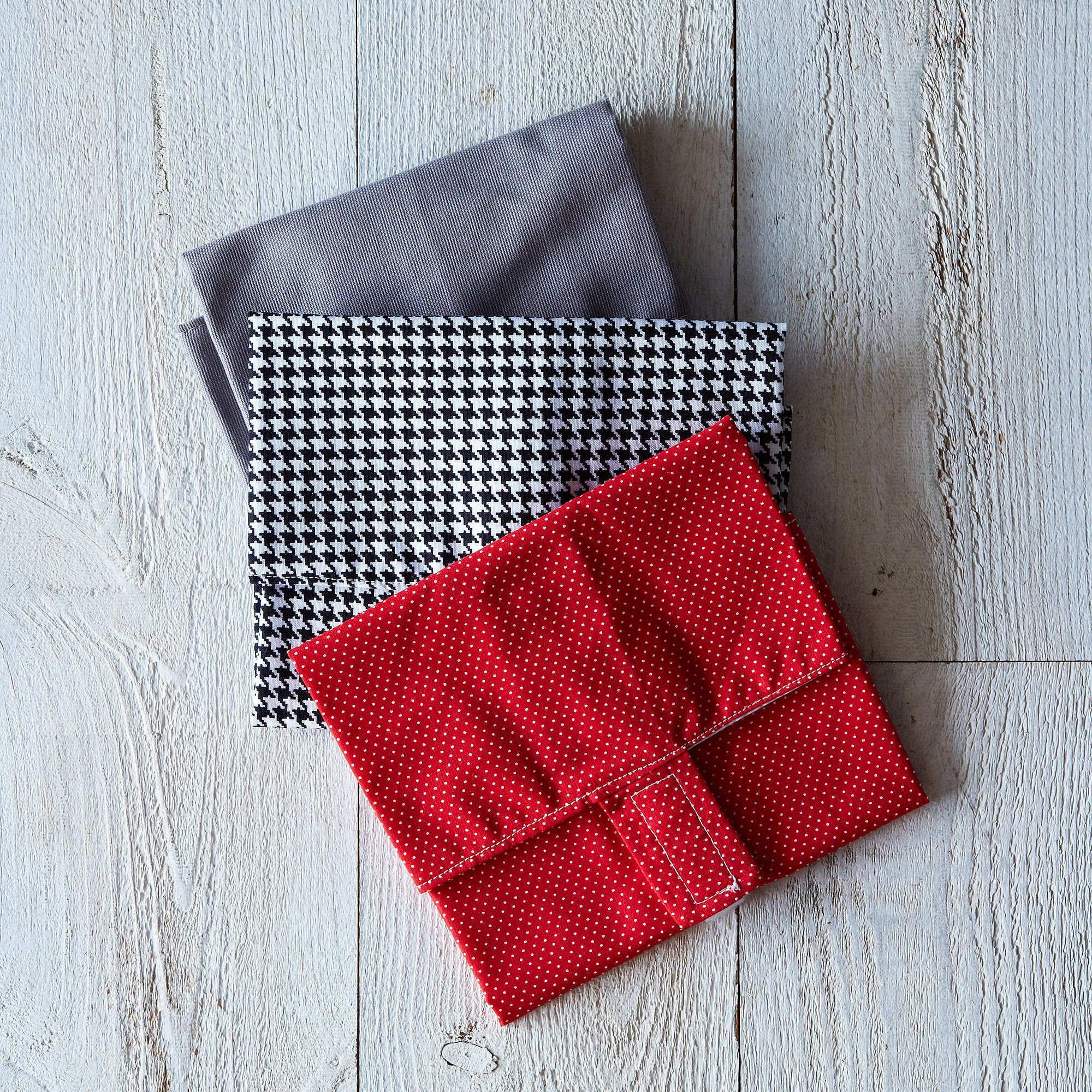 544e739e a0f5 11e5 a190 0ef7535729df  2013 0920 dot army sandwich wraps houndstooth slate red 016