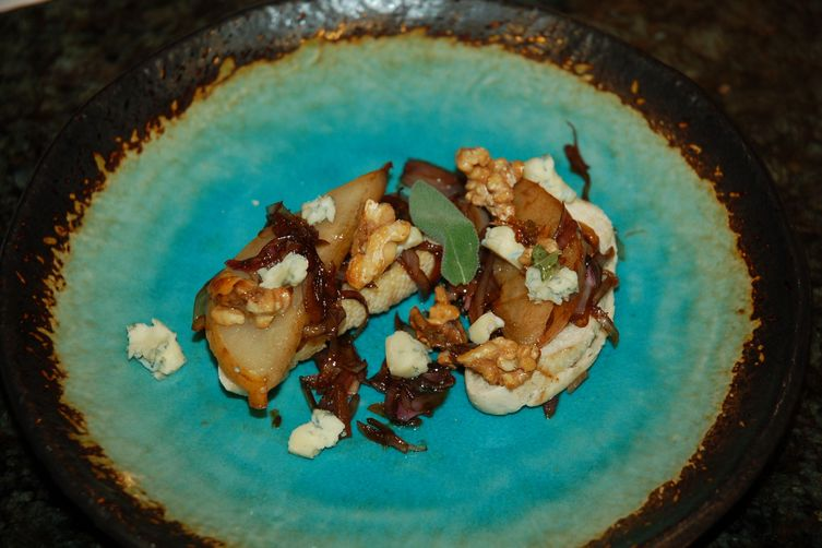 Sage, Pear, Walnut, Honey, Caramelized Shallot & Blue Crostini