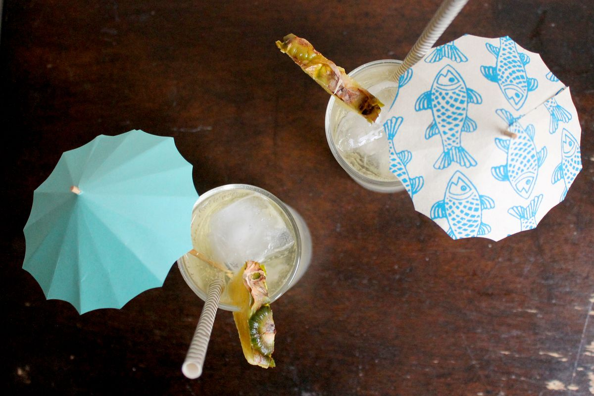 How To Make Diy Drink Umbrellas Party Craft Projects