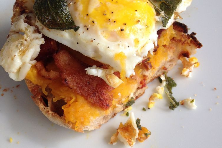 FALL BREAKFAST SANDWICH-ROASTED BUTTERNUT SQUASH, FRIED EGG, BACON, CRISPY SAGE