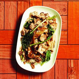 Phat Si Ew (Stir-Fried Rice Noodles with Pork, Chinese Broccoli, and Soy Sauce)
