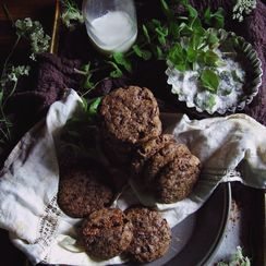 Sir Thomas Sharpe's dark chocolate garden mint cookies