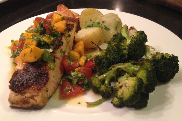 Salmon with Mango Tomato Salsa