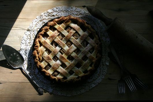 A New Holiday Tradition: Spiced Pear and Gorgonzola Pie