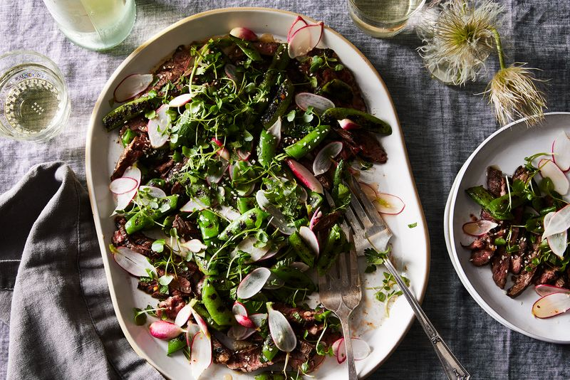 The beefiness of skirt steak is front and center in this weeknight salad.
