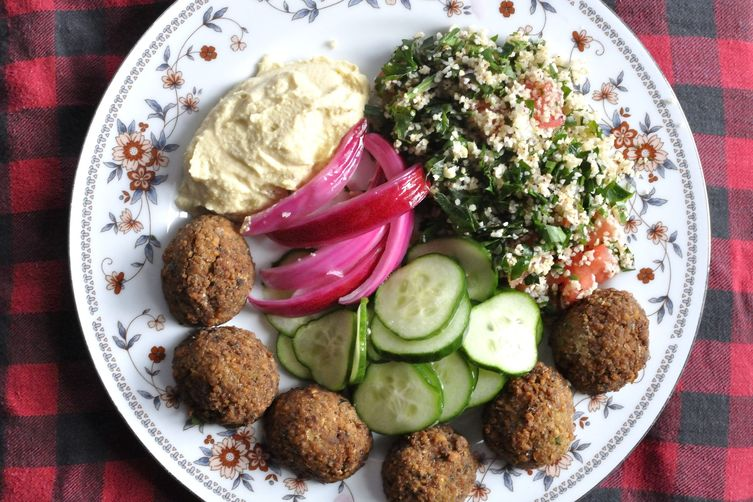 Falafel and Hummus Mezze Platter