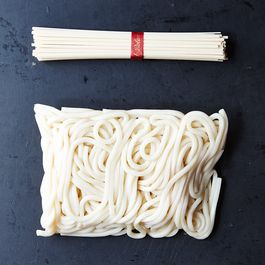 asian noodles by LIZZANNE