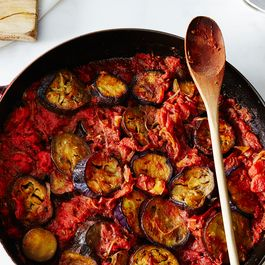 E49a4662-0555-4935-9046-7e1bb58b41c7.2015-0615_purnima-gargs-eggplant-and-tomato-curry_james-ransom-001