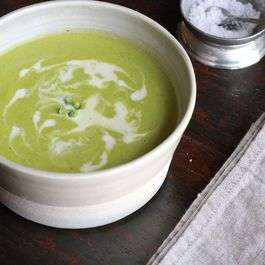 Sweet Pea and Pesto Soup