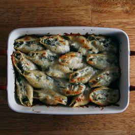 Chicken, Spinach, & Artichoke Stuffed Shells