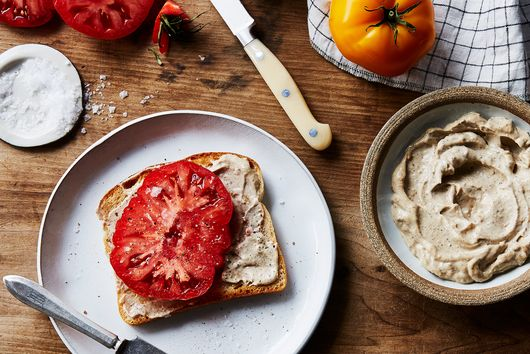 The Very Best Tomato Sandwich Needs Just 3 Ingredients
