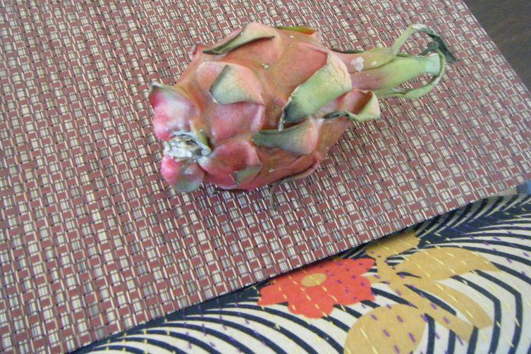 Cinque Doigt Marie's Dragon Fruit Fizz