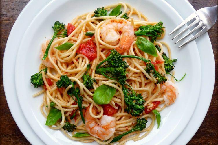 Spaghetti with Shrimp, Broccolini and Basil