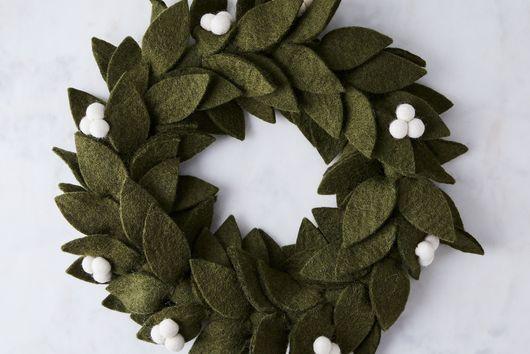 Felt Mistletoe Wreath