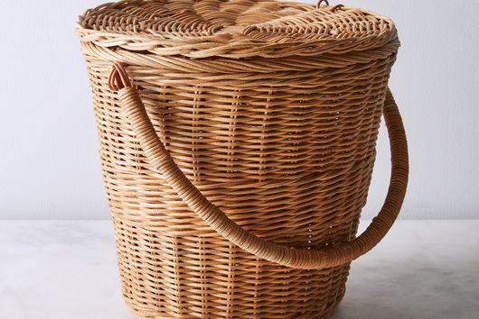 Rattan Apple Basket with Handle