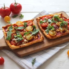 Cherry tomato and chorizo tart
