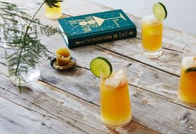 44eada2f dbed 4f79 97dd 76d197bbfb9b  2016 0512 mezcal cocktail with grapefruit juice and ginger beer bobbi lin 23660